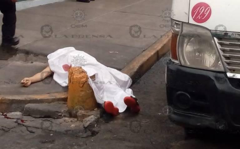 Se baja de trasporte público y le meten plomo en Naucalpan