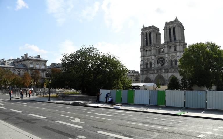 """""""Sigue en peligro la catedral de Notre Dame"""", asegura arquitecto"""