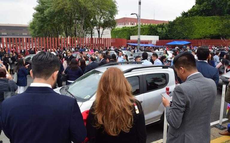 Diputados suspenden sesión por bloqueo de la CNTE