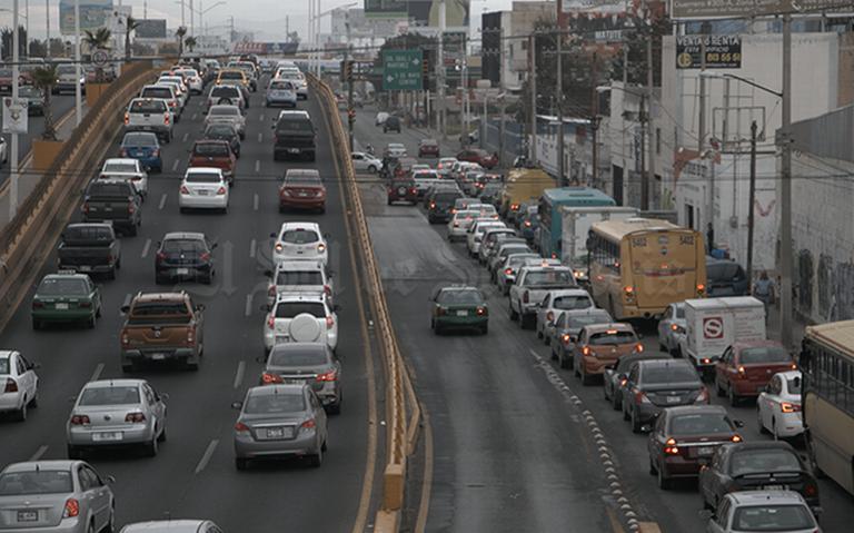 Congestión vehicular cuesta mil 100 mdp a SLP