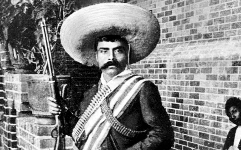 Primero el acta de defunción y ahora también desaparece pistola de Zapata