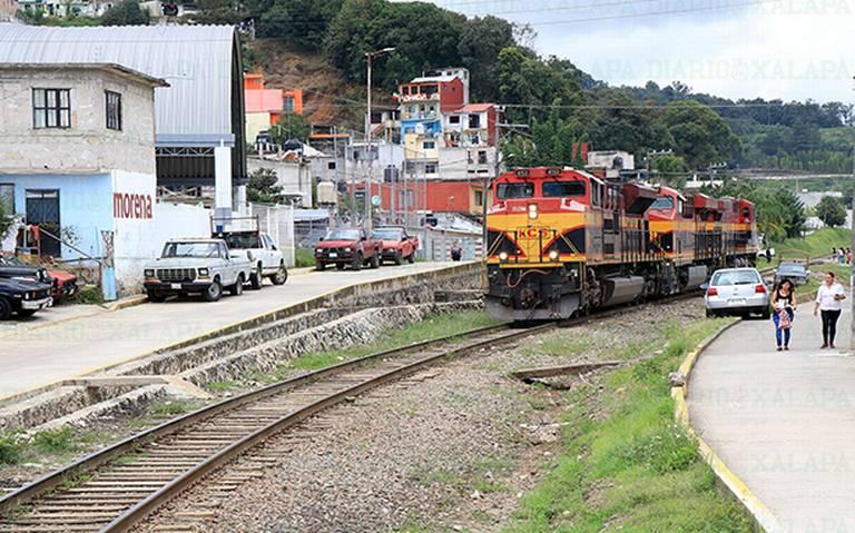 Alertan: aumentará peligro por paso de trenes, en Xalapa
