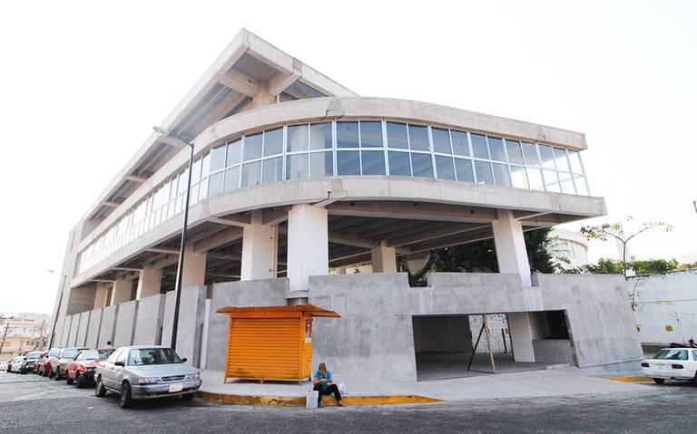 Nuevo Ayuntamiento, solución en obra negra