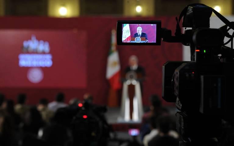 Pide AMLO a medios cubrir con corresponsales giras presidenciales