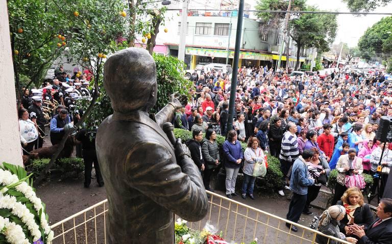 Habrá funerales de José José en México y EU, dice Sarita