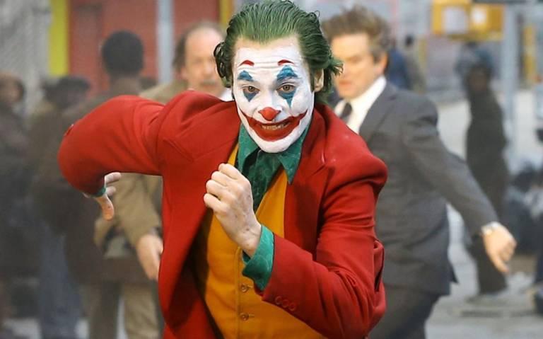[Video] Joaquin Phoenix sorprende a fans en cines donde se exhibe Joker