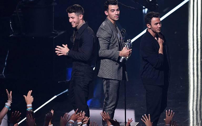 Jonas Brothers se vuelven a encontrar con sus fans de México
