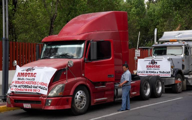 Transportistas anuncian paro nacional y bloqueos en las principales carreteras del país