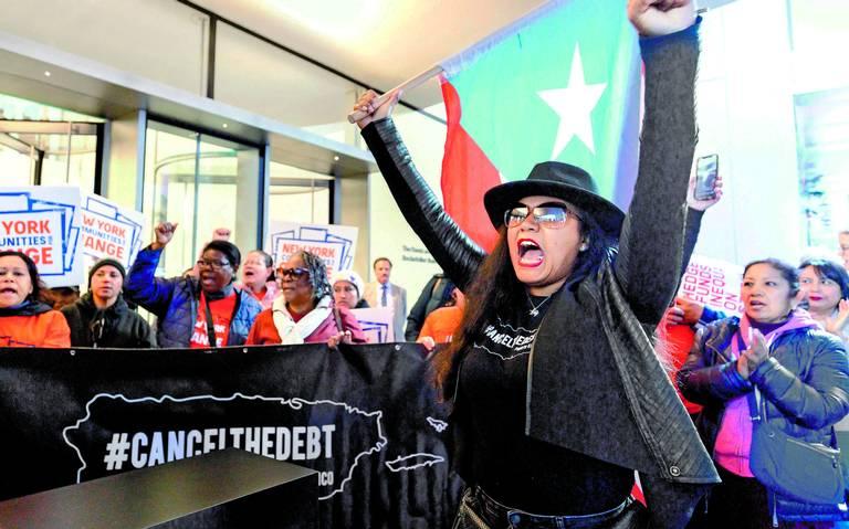 Reabren el MoMa en medio de protestas