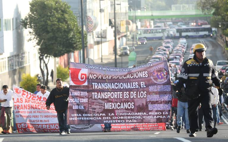 Taxistas se deslindan de convocatoria para marcha del lunes