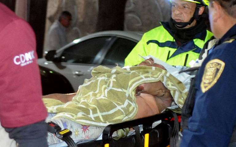 Rescatan a mujer en situación de calle a punto de morir quemada