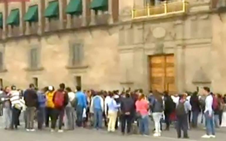 Protestan en Palacio Nacional por desatención a personas con discapacidad