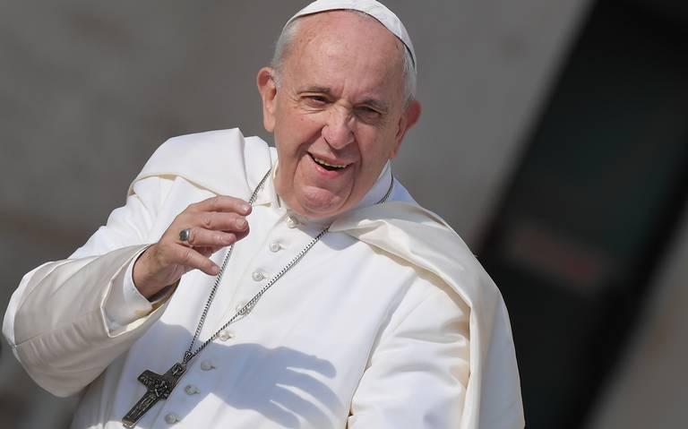 Papa bendice por error a equipo de fútbol americano