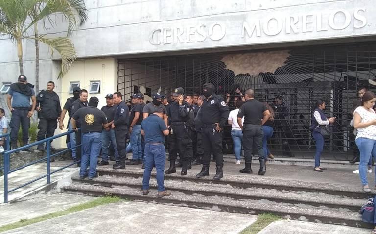 Tras riñas entre internos, custodios del penal de Atlacholoaya se van a paro