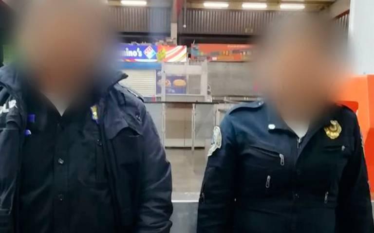 Detienen a policías de vigilancia del Metro por saqueo de boletos