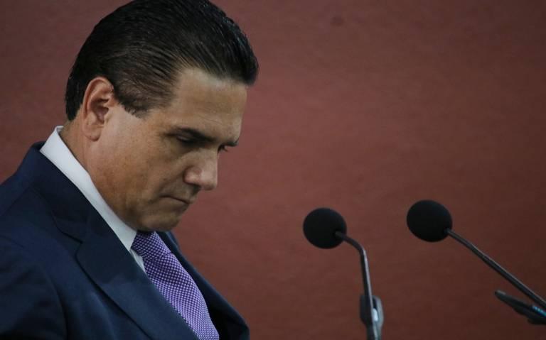 Policías embestidos en Aguililla tenían salarios precarios, reconoce Silvano Aureoles