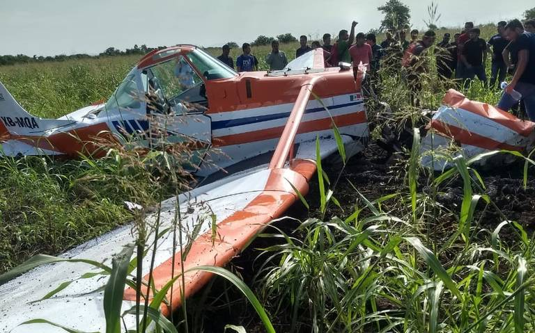 Se desploma avioneta en terrenos de escuela en Sinaloa