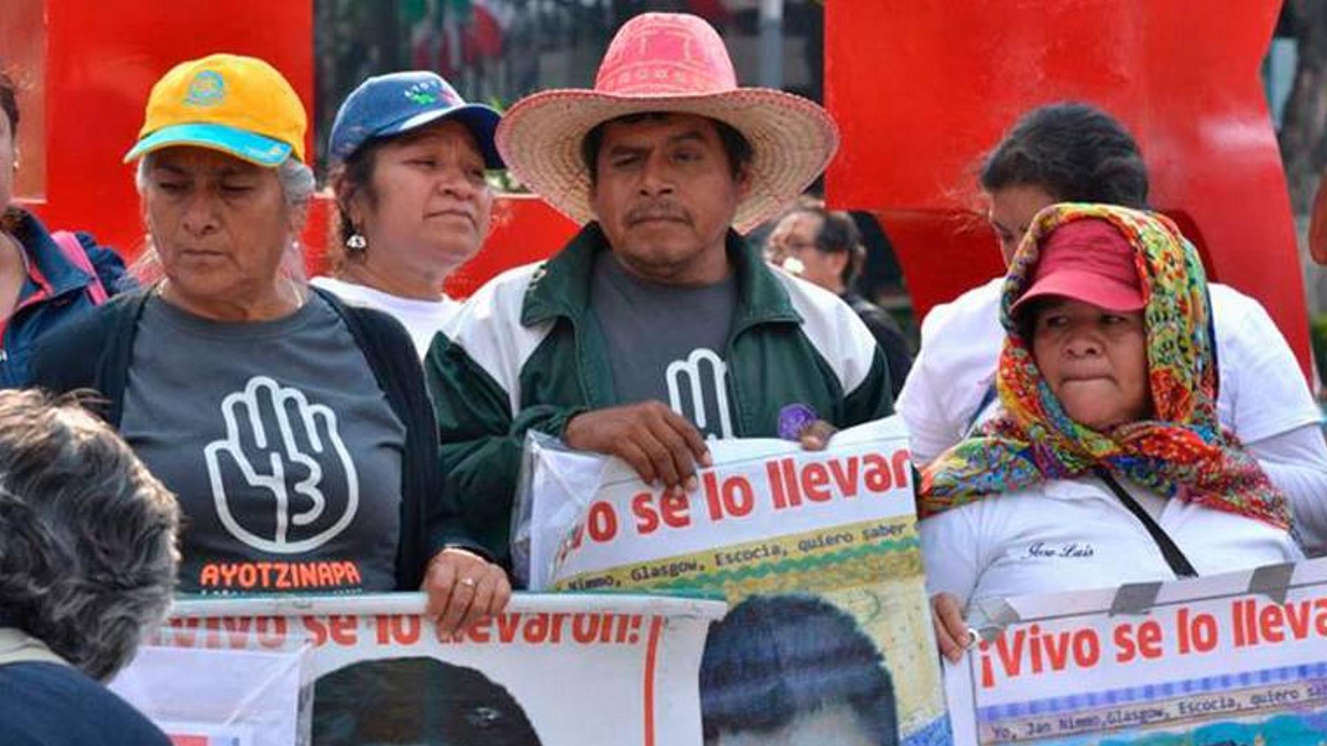 Liberan a otros tres implicados en desaparición de normalistas de Ayotzinapa
