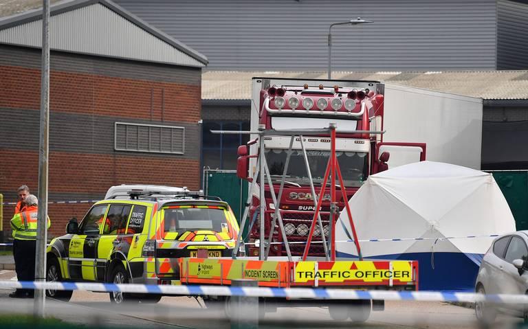 Descubren camión con 39 cadáveres en Reino Unido