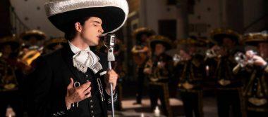 Alex Fernández lanza su primer disco con la complicidad de su abuelo Vicente