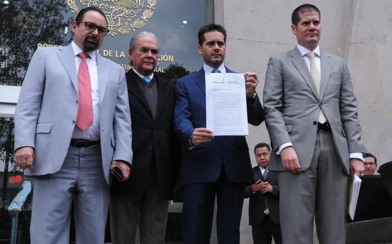 Rosario Robles suma a un nuevo abogado a su defensa