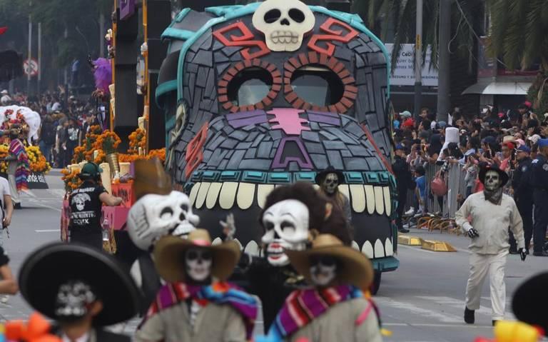 CDMX se convierte en inframundo por Desfile Internacional de Día de Muertos