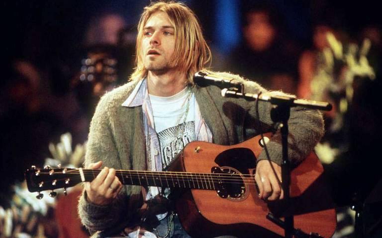 Venden el legendario cárdigan de Kurt Cobain en 334 mil dólares