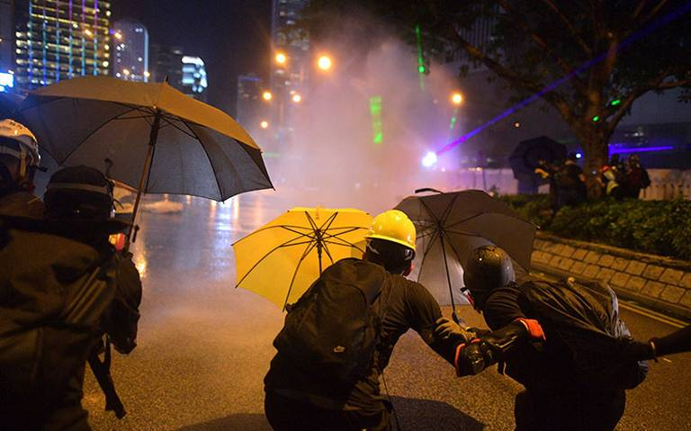 Hong Kong no descarta vetar acceso a internet para frenar protestas