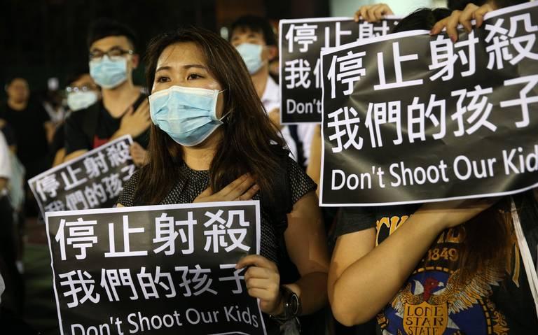 Con manifestación, estudiantes hongkoneses condenan represión policial