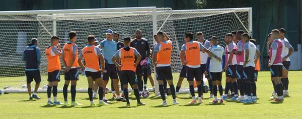 Aldrete y Baca prenden las alarmas en Cruz Azul