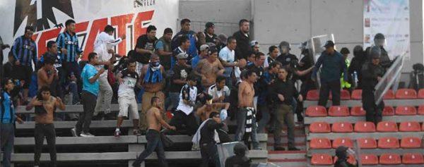 Riña en San Luis deja 33 lesionados