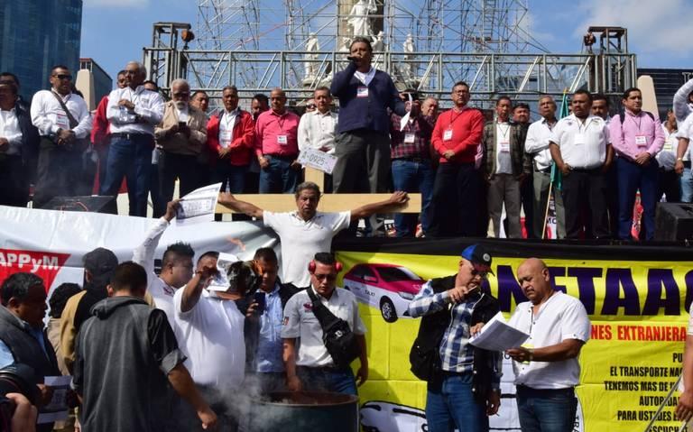 Taxistas amenazan con permanecer en el Ángel hasta ser escuchados