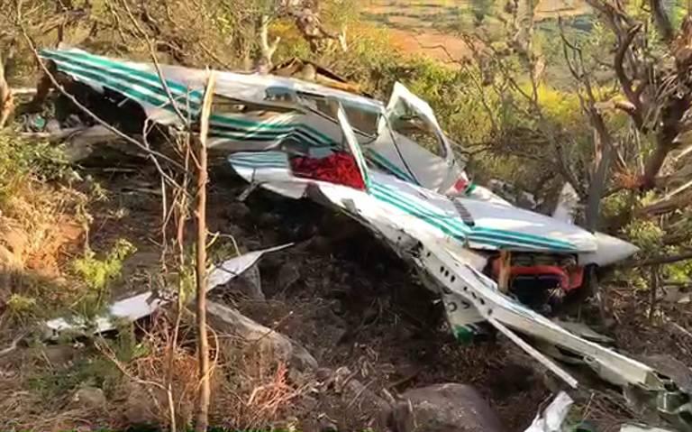 Avionetazo en El Marqués; mueren 2