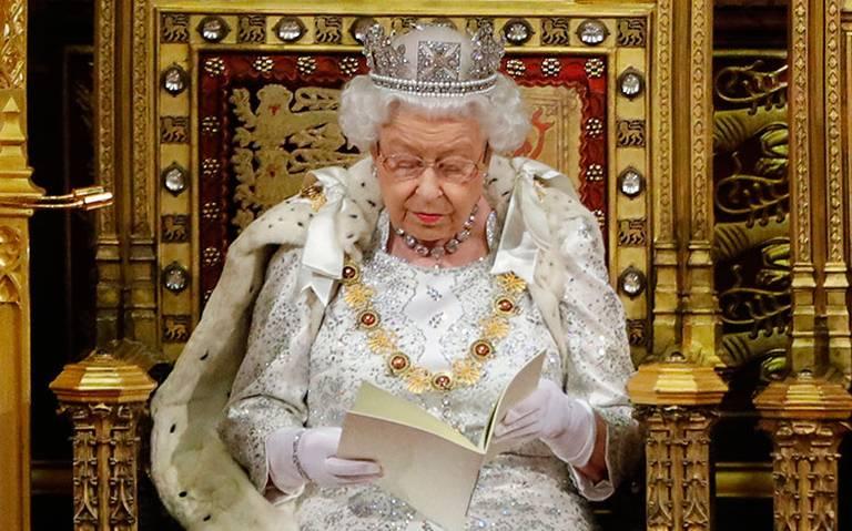 Brexit y migración centran el discurso de la reina Isabel II ante el Parlamento