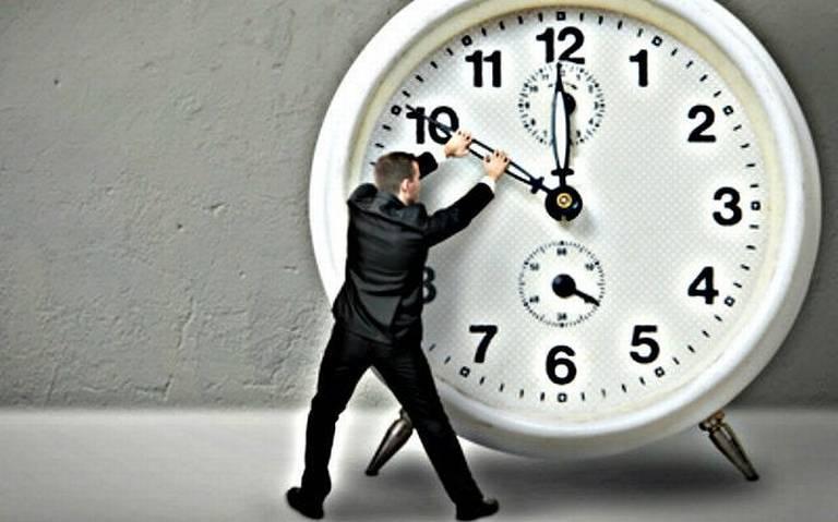 Nuevo horario afecta más a personas con problemas de sueño: especialista