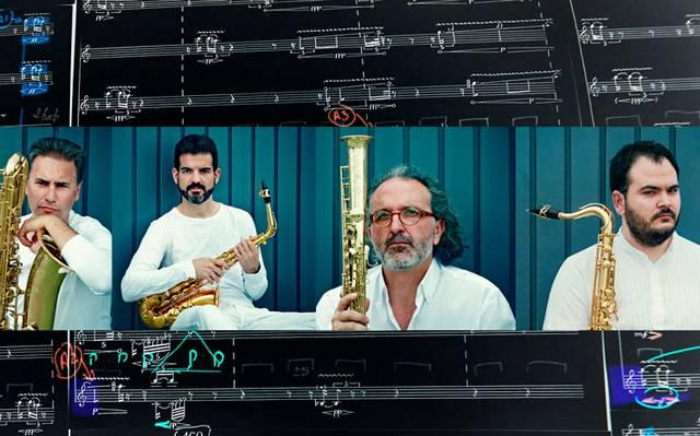 Moderna alineación al ritmo de saxofón