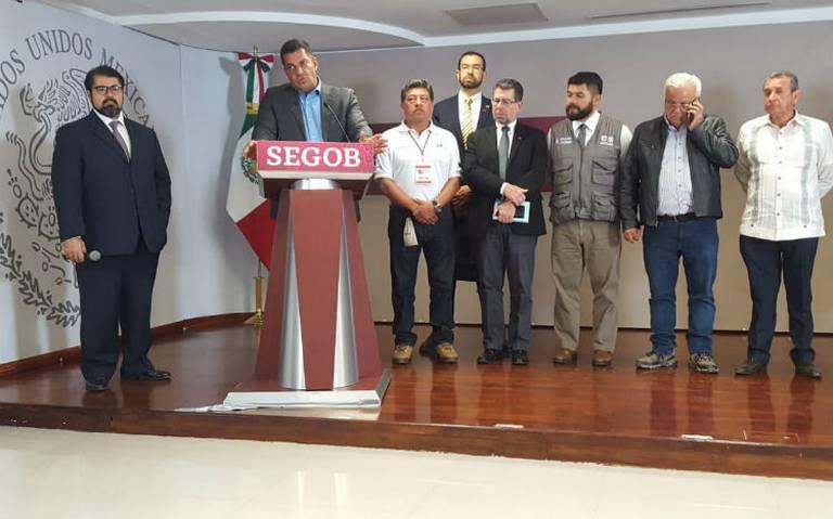 Tras cuatro horas de diálogo, taxistas y Segob acuerdan revisar legalidad de apps