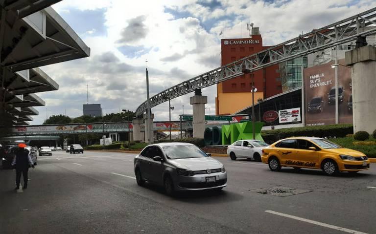 Taxistas liberan accesos al AICM