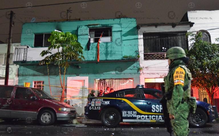 Hombre apuñala e intenta quemar a sus seis hijos en la Cuauhtémoc