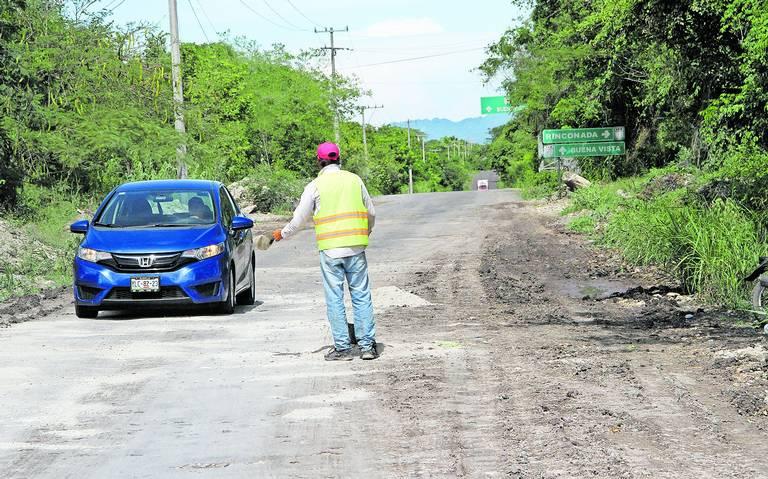 Como dice AMLO: carreteras de Veracruz, en mal estado y sin reparar; les mostramos algunas