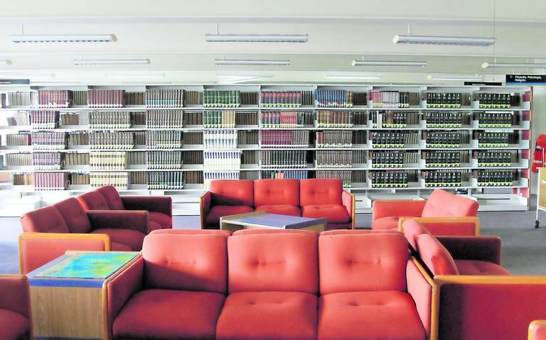 Libro digital desplaza al formato físico; bibliotecas, cada vez más vacías
