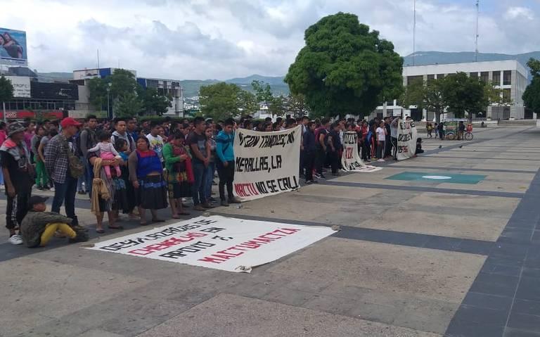 """Normalistas rurales exigen reapertura del sistema de internado en """"La Mactu"""""""