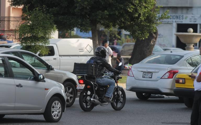 Igualan pago de refrendo para autos y motos