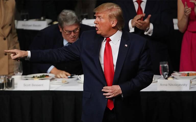 Trump considera testificar por el juicio político en su contra