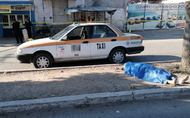 Muere taxista en la vía pública en Tuxtla Gutiérrez