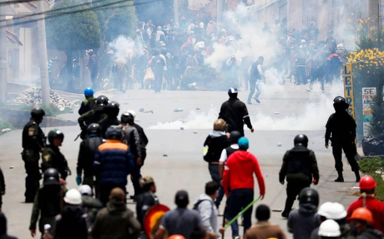 El Ejército combate vándalos en Bolivia