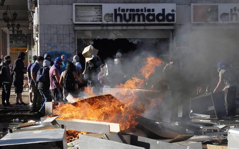 Demandan a Piñera por tortura y abusos