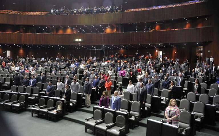 Diputados debaten consulta popular y revocación de mandato