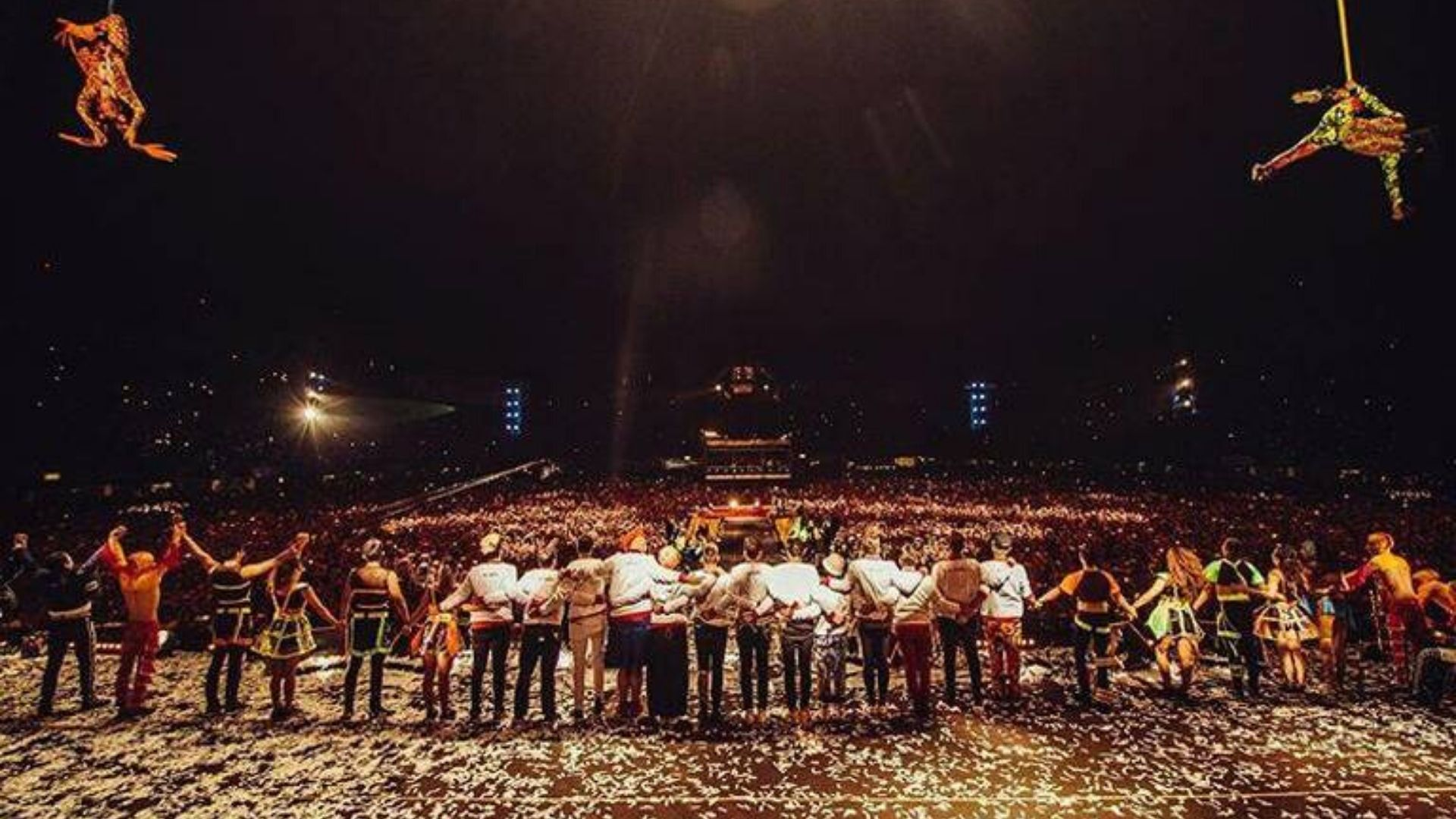 """Acompañados de mariachis, Los Caligaris regalan a México la """"Noche más feliz del Mundo"""""""