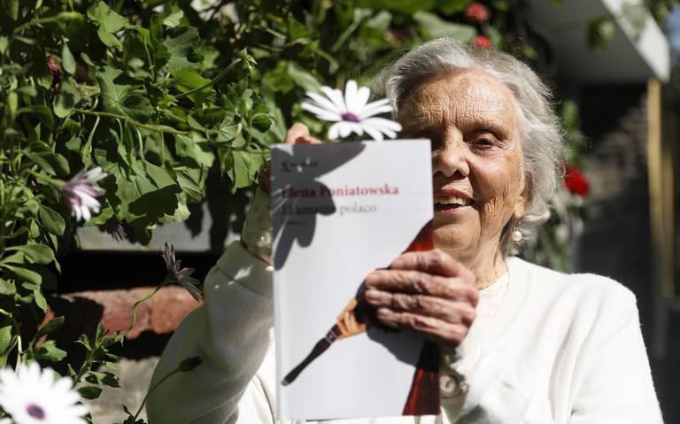 Elena Poniatowska mantiene sus buenos tratos con la poesía en El amante polaco